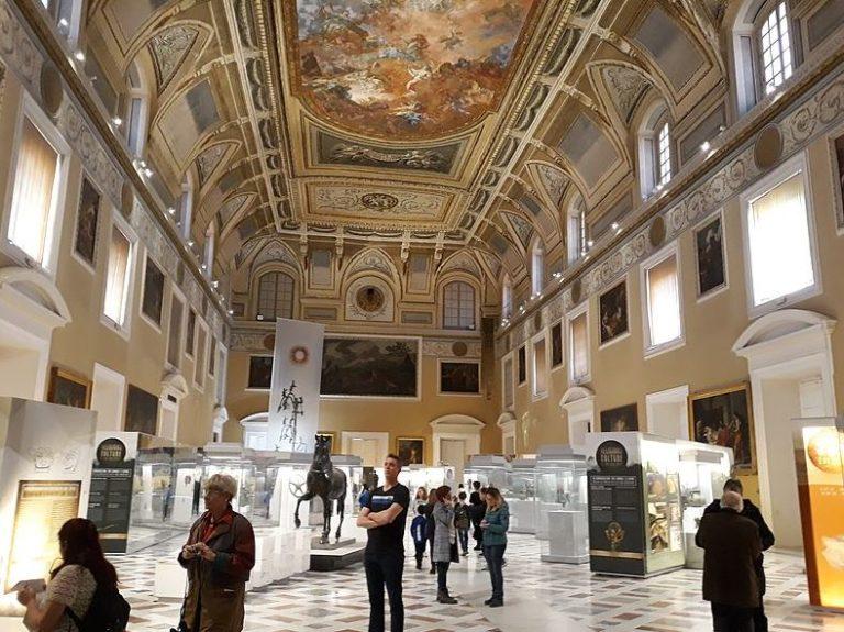 A visit to Naples, Italy - Port city ribfestPort city ribfest